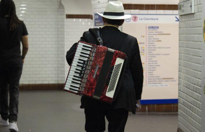 Как стать мызыкантом в парижском метро?
