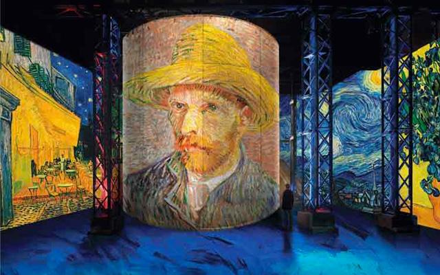 Фото: В Париже открылась мультимедийная выставка Ван Гога