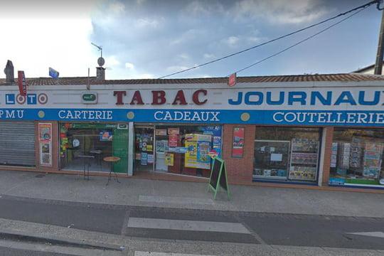 Фото: Молодой человек захватил заложников в табачном ларьке в Тулузе