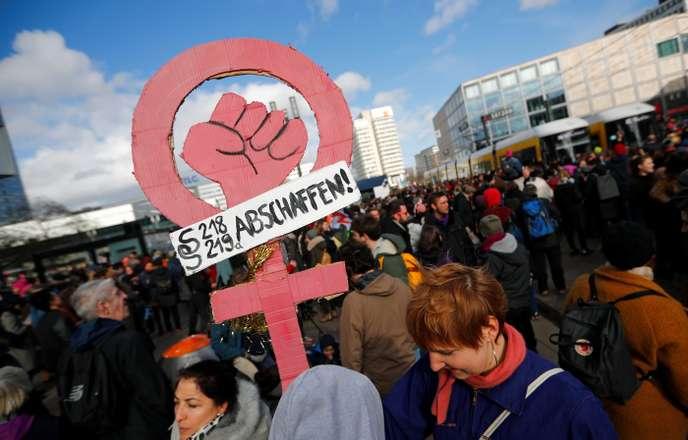 Фото: Как отметили Международный женский день в Европе
