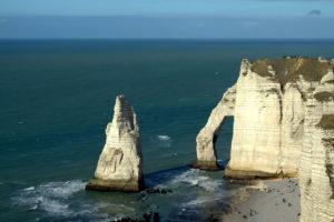 Этрета (фр. Étretat)  красивые города на побережье Франции