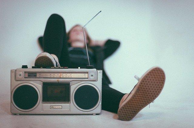 Учи и пой: французский язык по песням