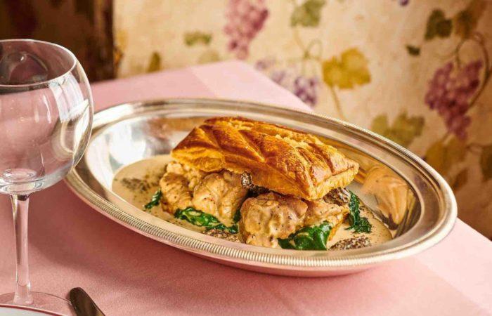 Где в Париже попробовать блюда высокой кухни менее чем за 20 евро?