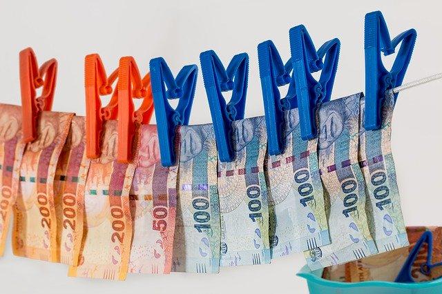 Пара обманным путем получила 25 тысяч евро социальной помощи