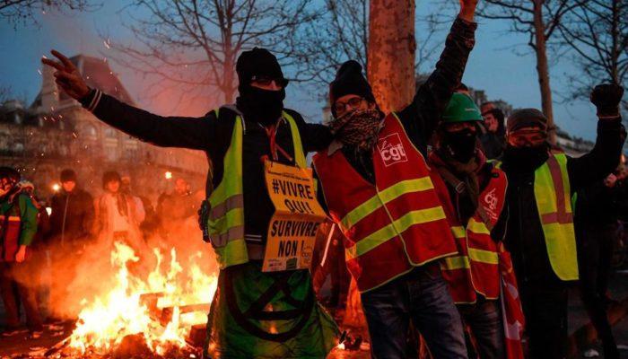 Погромы на Елисейских полях после 18ой акции протеста желтых жилетов