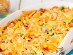 Запеканка с макаронами, цукини и сыром фета