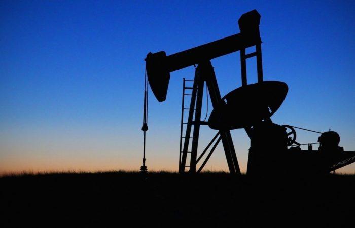 Фото: С чем связан исторический обвал цен на нефть