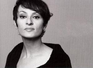 Песня «Черный орел» (фр. «Aigle noir»)  - Барбара