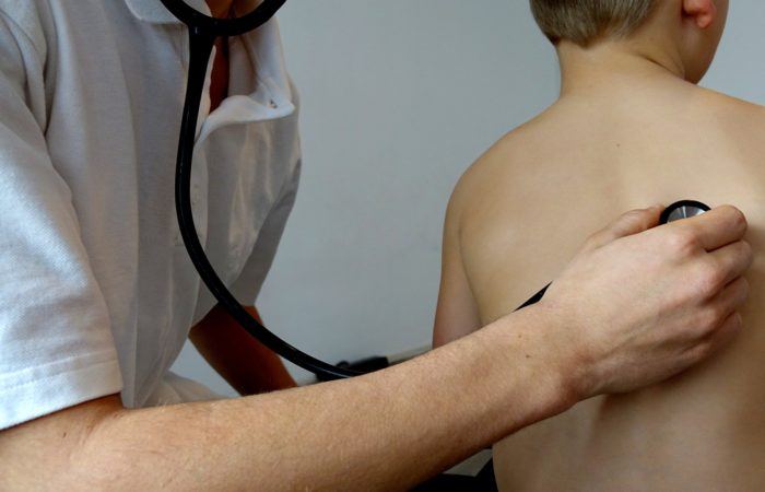 Сovid-19 и болезнь Кавасаки: что известно о новом синдроме, поражающем детей во Франции