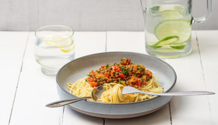 Спагетти а ля болонез с чечевицей