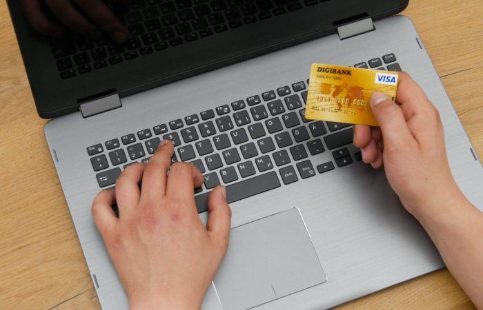 Какие страховые гарантии даёт банковская карта во Франции?