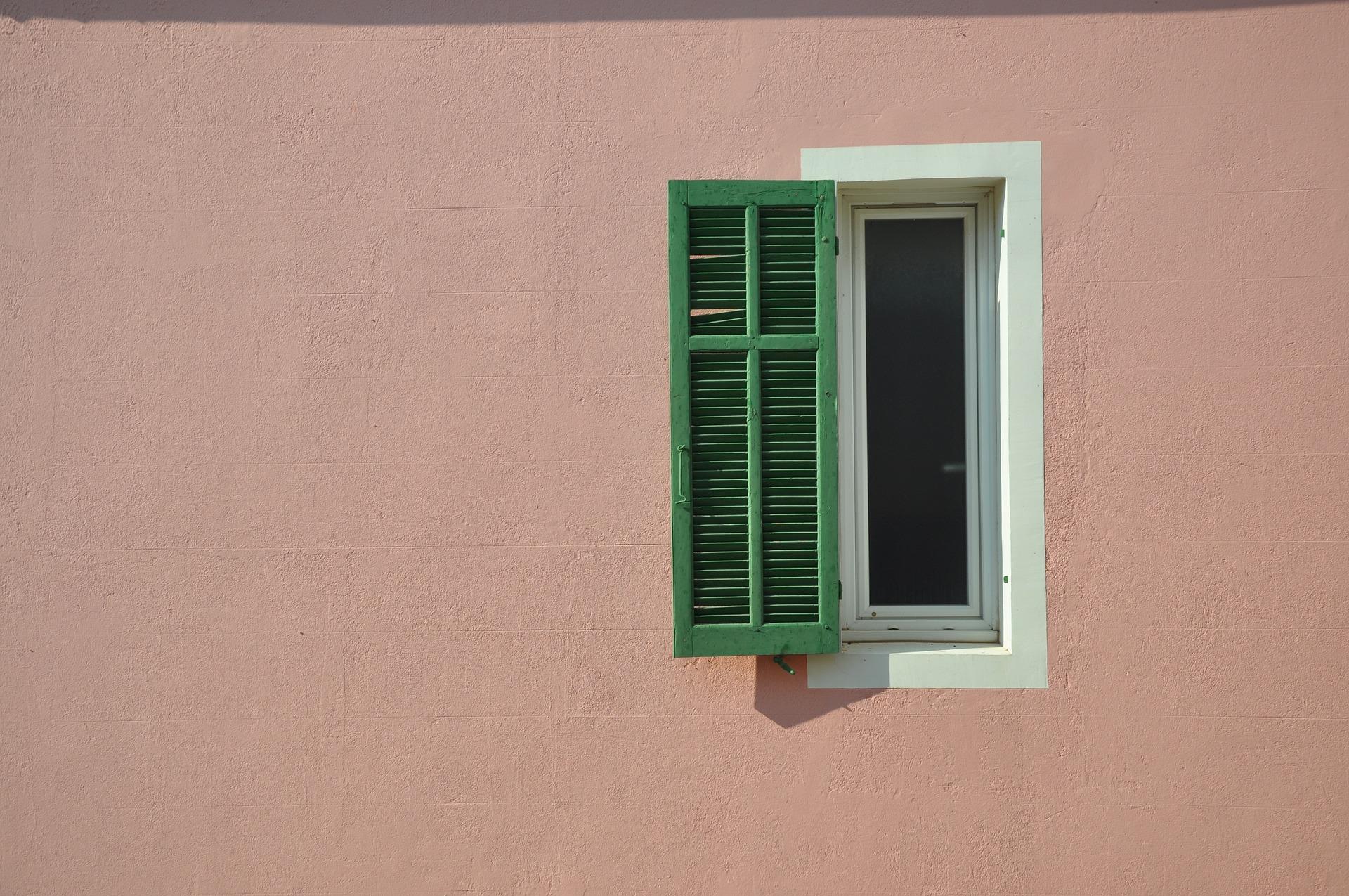 Опасная зона Сovid-19: В Марселе закрывают бары и рестораны