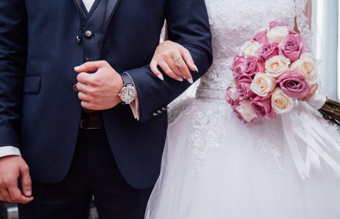 Фото: Коронавирус: свадьбы разрешены в малых комитетах