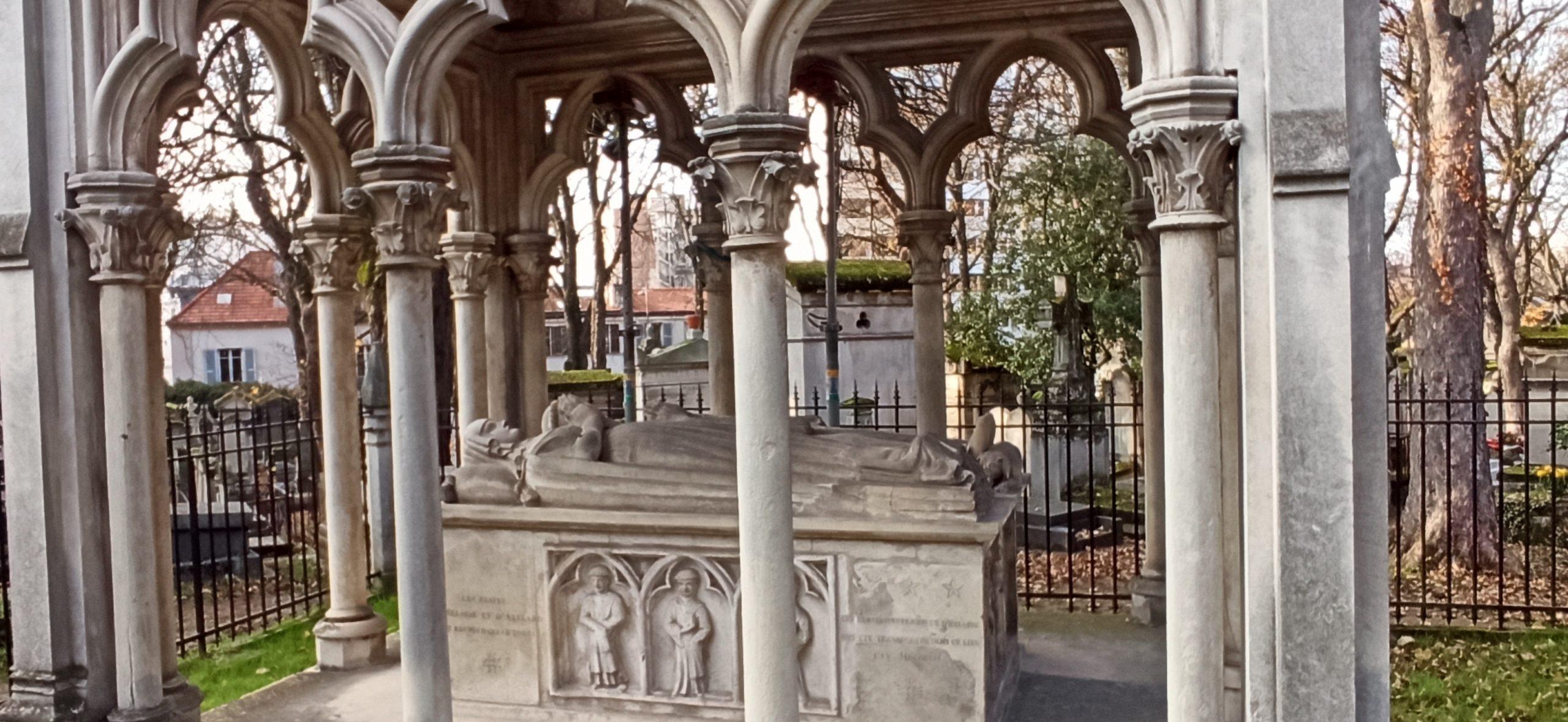 Абеляр и Элоиза - кладбище Пер Лашез в Париже