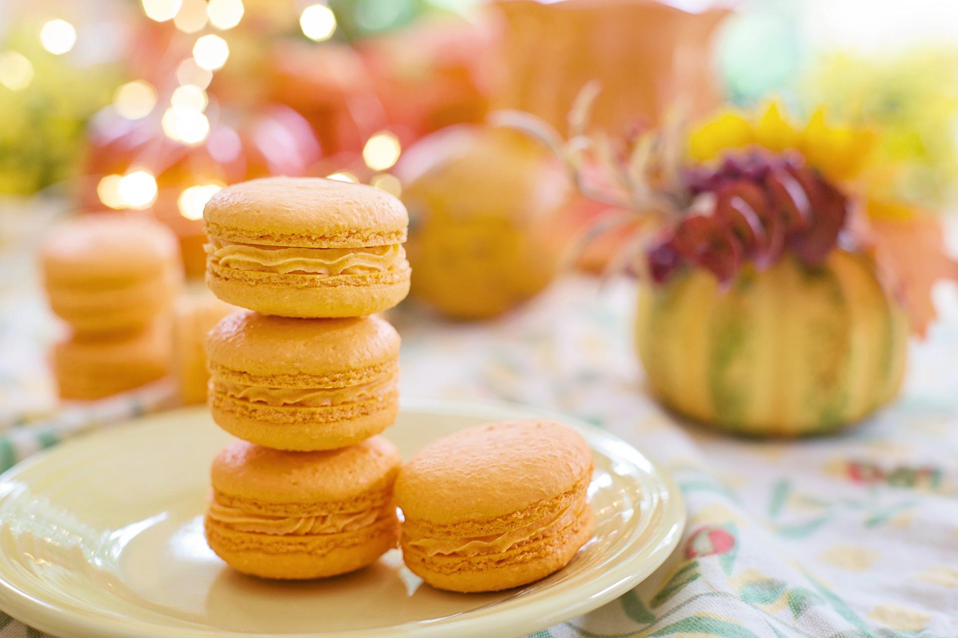 Французское печенье Макаро́н с фуа-гра
