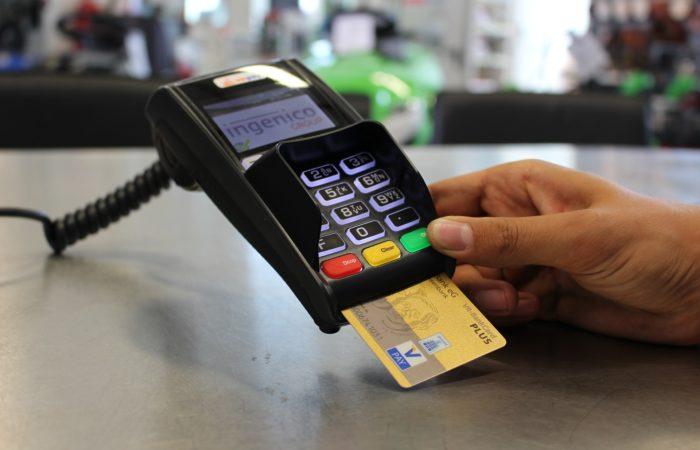 Фото: Безналичный расчёт во Франции: чеки, банковские карты и счет